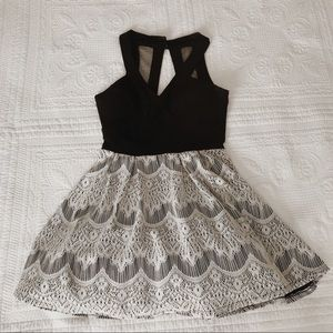 Formal Black and White Lace homecoming Dress